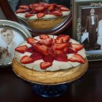 Traditional Cheesecake with Fresh Strawberries